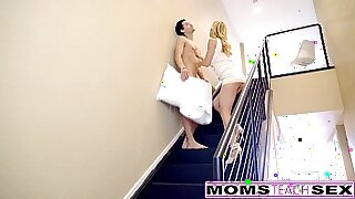 milf giving hot cream pie to sons exercise session