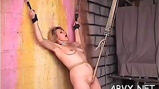 Femdomsho in extreme bondage