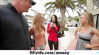 Hottie Karina sucks on cash