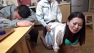 Horny wife surrenders and gives hair cream