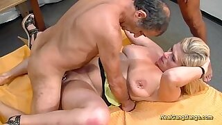Busty MILF enjoying extreme sex with dude