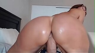 My Sexy Mom Big Ass Booty Dildoing Her Boxing
